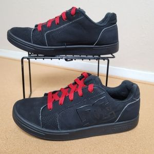 DC Woman's Sneakers black red  Sz 5.5